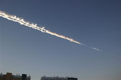 Meteoryt w Rosji - Smugi dymu